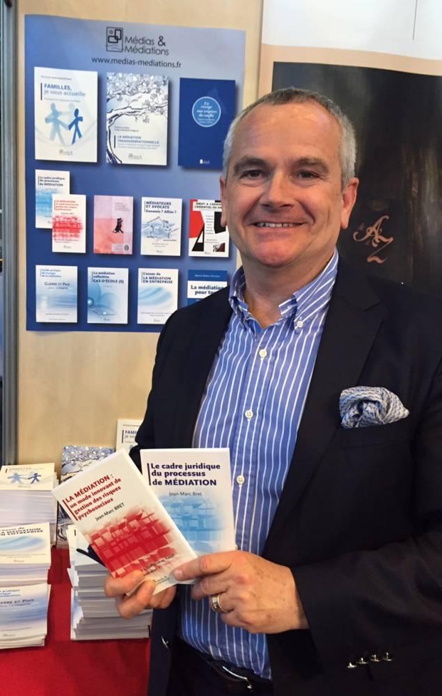 Paris Livres: Jean-Marc Bret dédicace son second ouvrage